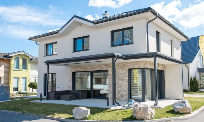 Einfamilienhaus modern holzhaus flachdach garage mit flachdach for Modernes haus 140 qm
